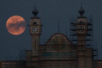 Астролог предупредил, что из-за полной Луны проблемы грозят людям, которые имеют сердечно-сосудистые заболевания
