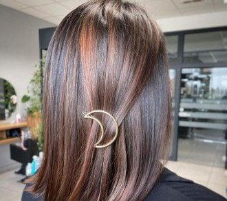 Чтобы волосы блестели, им нужен уход / Instagram
