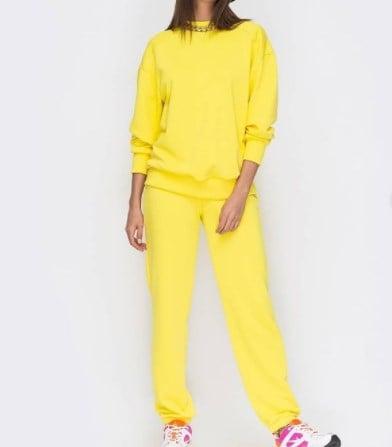 Модні спортивні костюми жіночі 2021 / Instagram