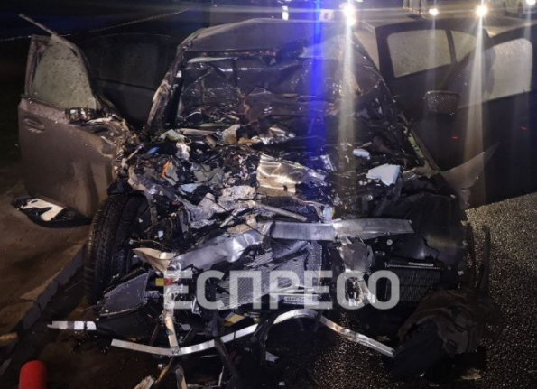 У Києві іномарка влетіла в авто комунальників