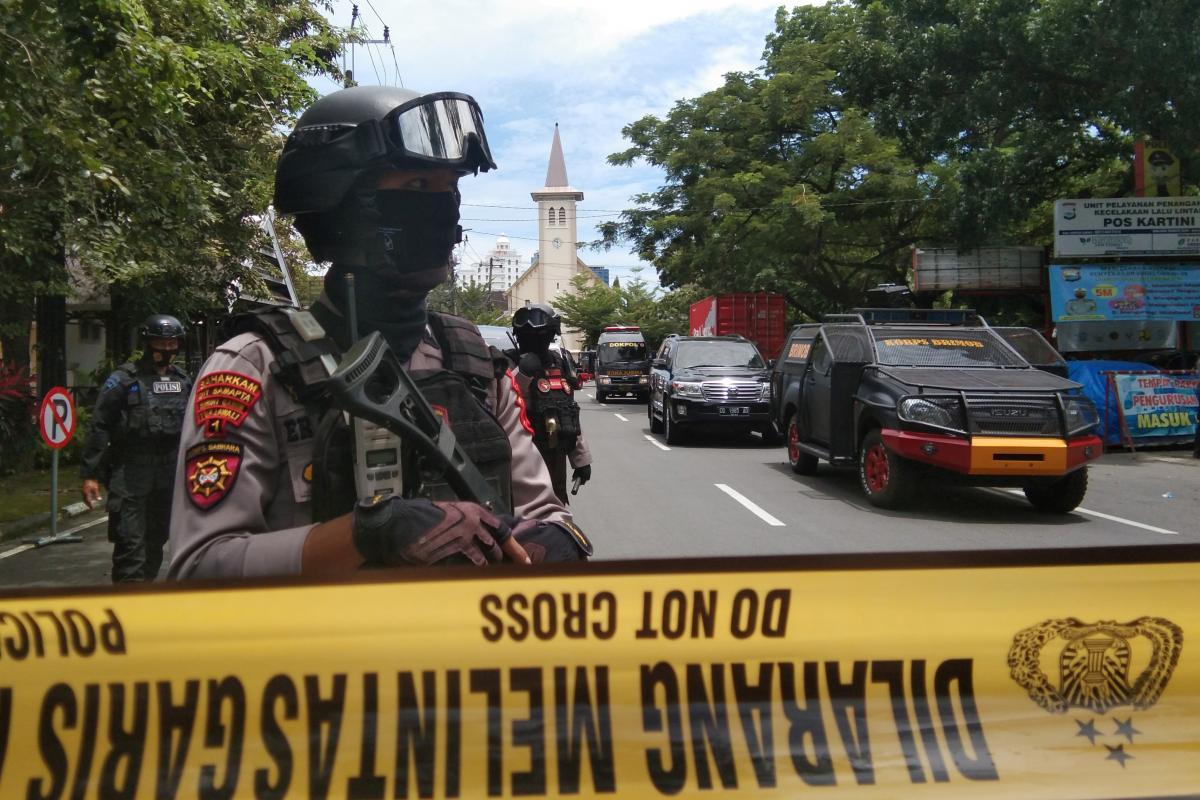 В Індонезії терорист підірвав себе біля церкви