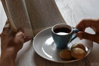 Врач поделилась, что холодный кофе может быть опасен