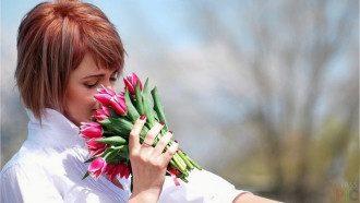 Тюльпаны и возмездие: что за праздник 8 марта