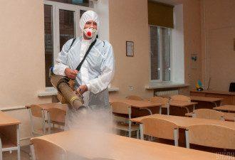 У Києві через COVID-19 учнів деяких класів раніше відправлять на канікули
