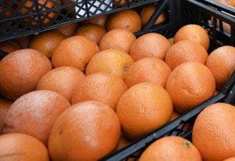 В Украину попали фрукты с веществом от клещей / Facebook