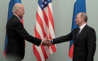 Байден предложил Путину встретиться на фоне обострения на Донбассе