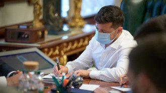 Зеленский закон о всеукраинском референдуме ветировать не сможет