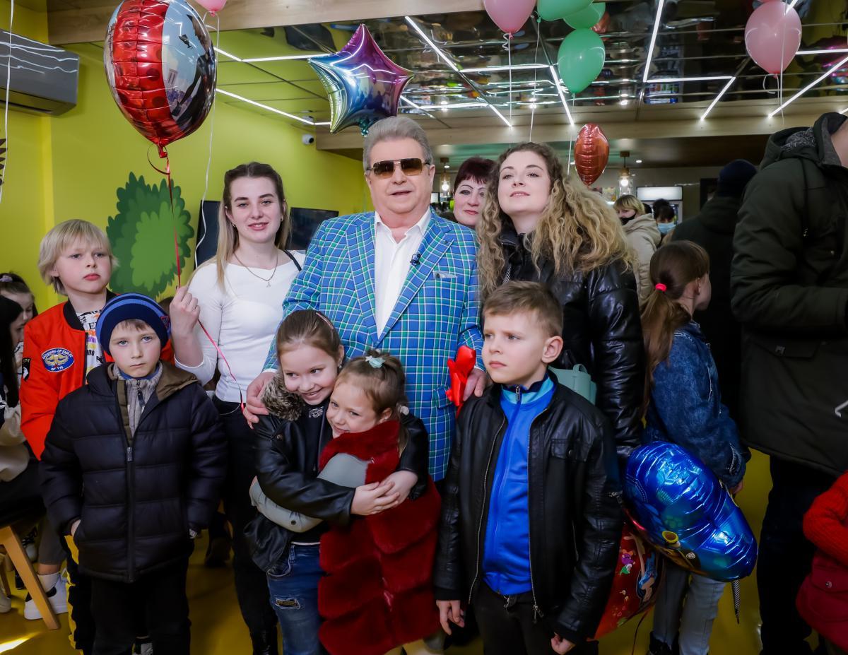 Михаил Поплавский открыл украинский Диснейленд
