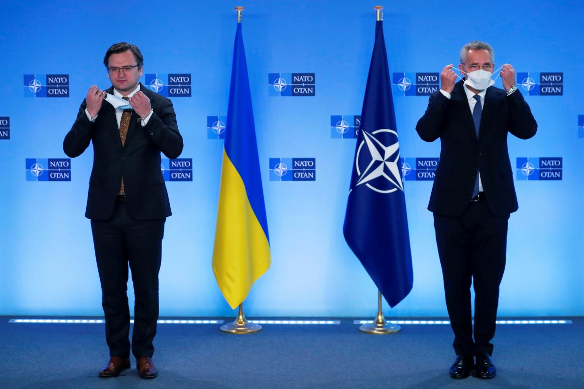Кулеба и Столтенберг дали совместную пресс-конференцию
