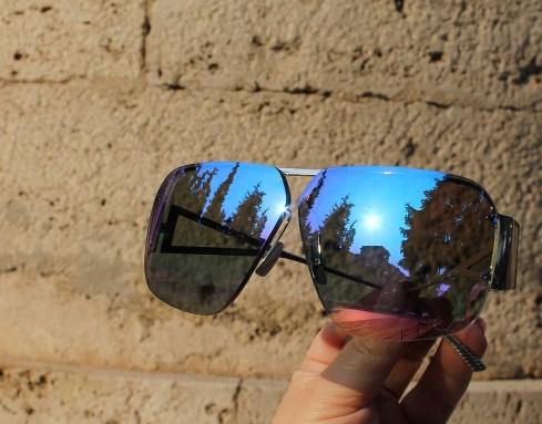 очки с зеркальными линзами – это уже не модно