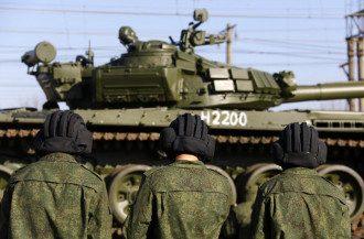 РФ перекидає техніку до кордонів України