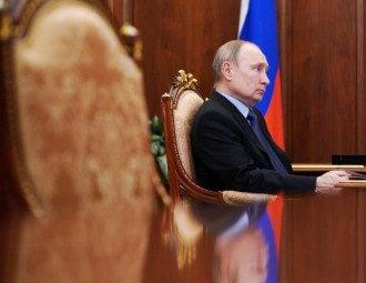 Какой вакциной привился Путин врач указала на нестыковки