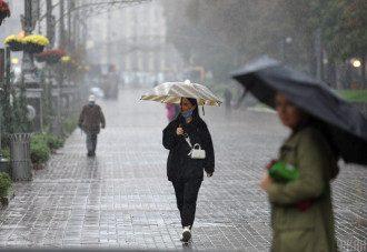 Українцям обіцяють дощову погоду