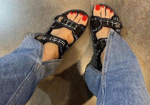 Модные сандалии 2021