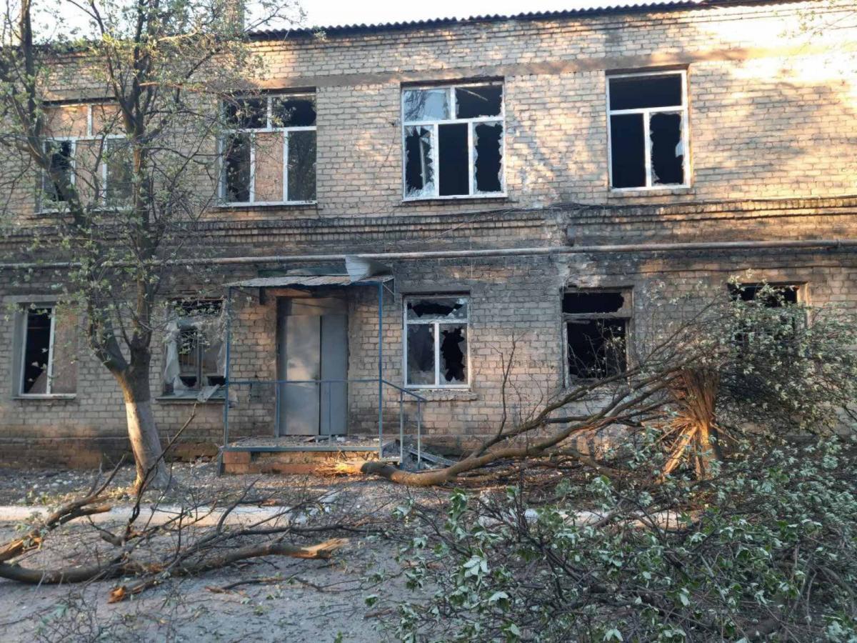 Бойовики обстріляли Мар'їнську центральну райлікарнію на Донбасі