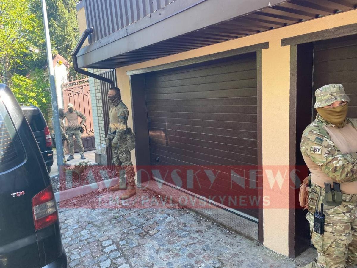 В Киеве в доме Виктора Медведчука стартовал обыск