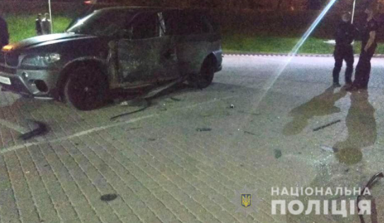 На Прикарпатті обстріляли машину, був вибух