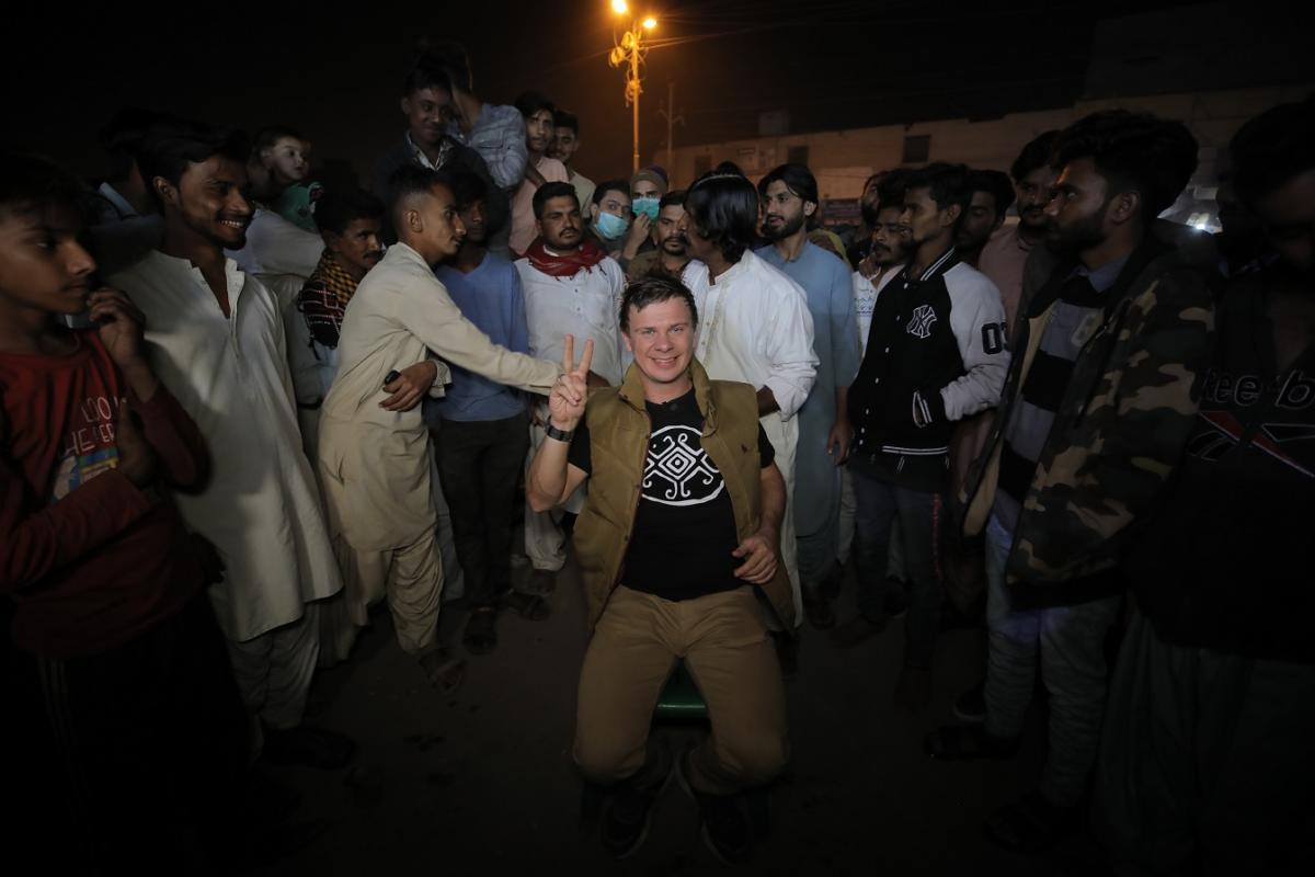 Дмитро Комаров у Пакистані