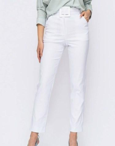 Модные белые брюки 2021