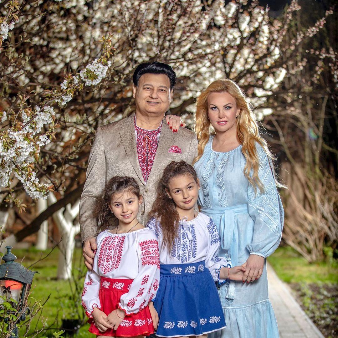 Камалія з сім'єю