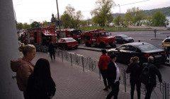 Пожар на паркинге в столичном ТРЦ: первые подобности спасателей