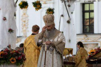 Ролик с митрополитом Онуфрием и яйцами порвал соцсеть
