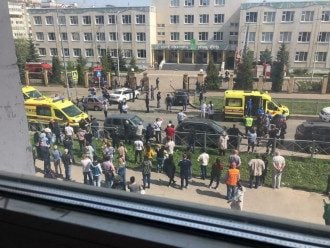 В результаті стрілянини в казанській гімназії загинули семеро дітей