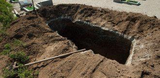 У РФ влаштували змагання серед гробокопачів