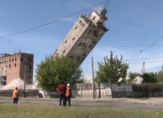 В Харькове подорвали самую высокую часть элеватора