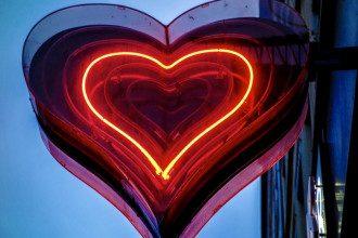 Двум знакам Зодиака светит любовное везение