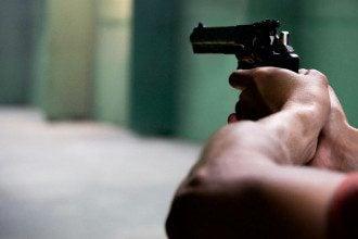 Пістолет, стрільба