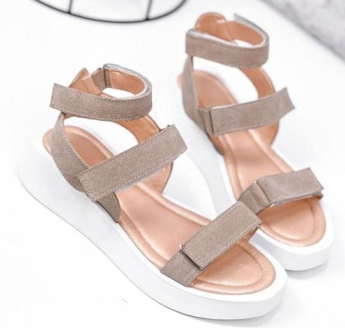 Модные женские сандалии 2021 на липучках