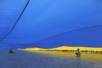 Слепое следование украинских политиков рекомендациям извне наносят Украине большой ущерб