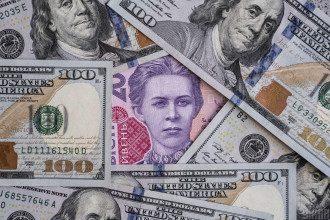 Долари, гривні