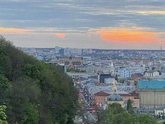 Столицю та Київщину у ДСНС попередили про сильний та поривчастий вітер