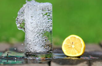 вода, стакан, лимон