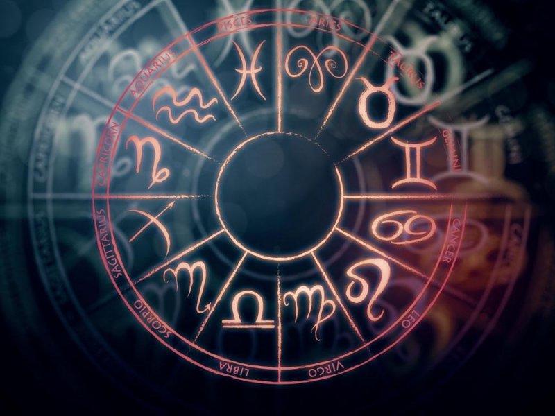 Гороскоп на сегодня 23 июля для всех знаков Зодиака - неожиданное знакомство