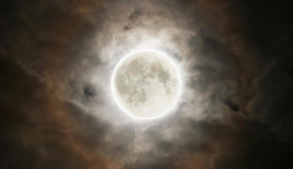 Місячний календар на серпень 2021
