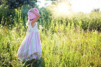 погода, літо, маленька дівчинка