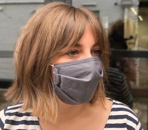 Модна жіноча стрижка боб з чубчиком 2021