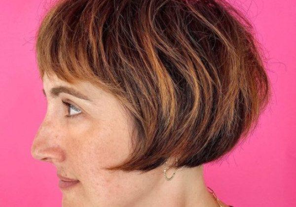 Стрижка на коротке волосся 2021 2022 мікробоб