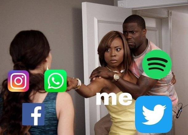 Мемы о сбое в Facebook